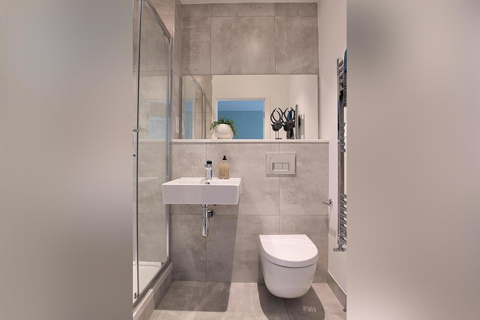 Cross Lane Ensuite